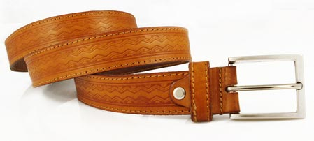 devanet embossed leather belt