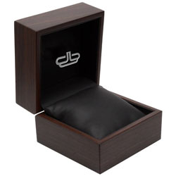 Walnut belt box by Devanet